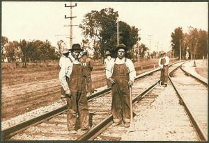 Mexican railroad workers in Illinois