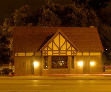 Comfort Station Building